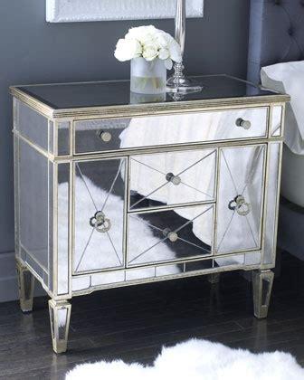 decorative nightstand l best 25 small mirrors ideas on pinterest wall mirrors