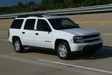 chevrolet trailblazer chevrolet trailblazer photo gallery autoblog