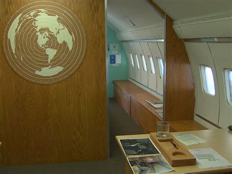 air force one bedroom air force 1 interior bedroom www imgkid com the image
