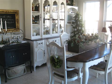 Painted Dining Room Furniture A Comfy Place Of My Own Chair Wreaths And The Paint