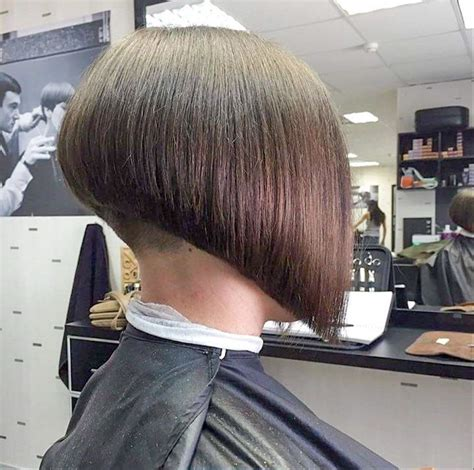 stacked bob nape shaved 42 best nape shaved images on pinterest bob hair cuts
