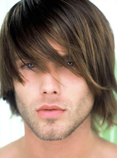 contoh gambar wajah pria up dalam sketsa model dan karakter yang berbeda