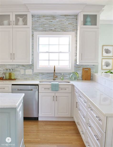 coastal kitchen ideas 25 best ideas about coastal kitchens on pinterest white