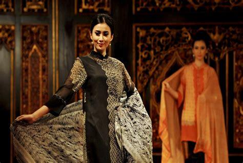 Batik Danar Hadi Jakarta Timur halalbihalal dimanfaatkan promosi batik sasirangan kalsel republika