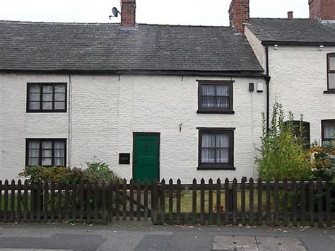 Cottages To Rent In Leeds by 2 Bedroom Cottage To Rent In York Road Seacroft