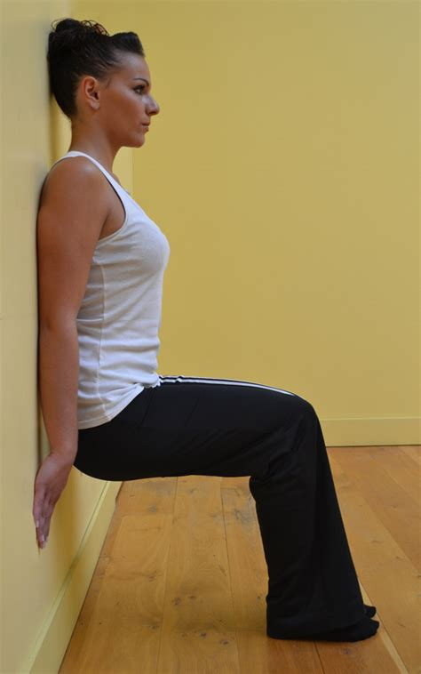 exercice de la chaise des exercices 224 faire 224 la maison contre la cellulite