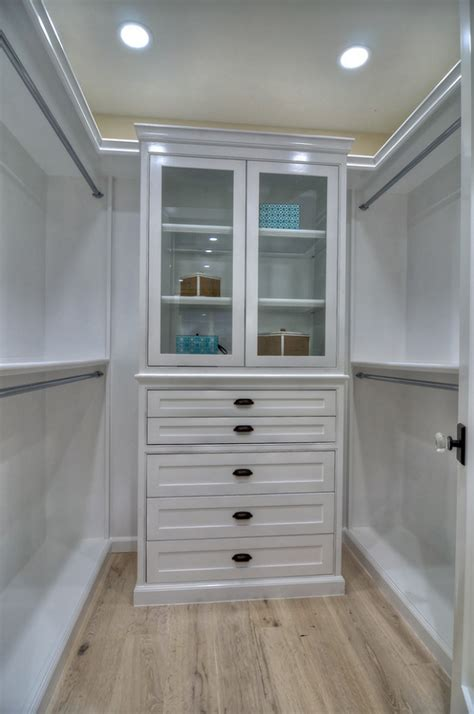 closet layout ideas california beach house home bunch interior design ideas