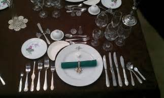 dinner setting file formal place setting 12 course dinner jpg wikimedia commons