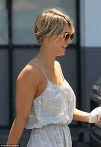 why did kaley cuoco cut hair in a pixie cut kaley cuoco hairtalk 174 81463 page 2