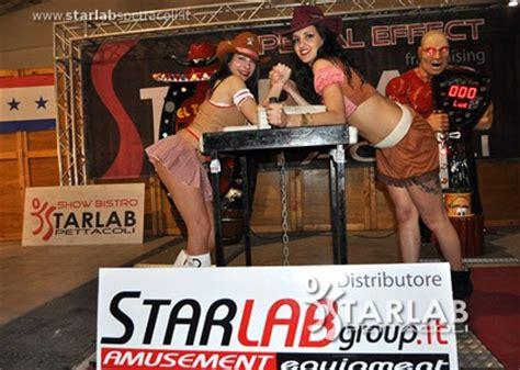 tavolo da braccio di ferro tavolo da braccio di ferro the top starlab spettacoli