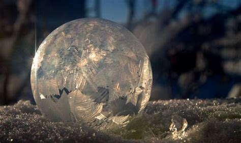 Happiest Places To Live In The Us by Beautiful Frozen Bubbles In Calgary Watch Video India Com