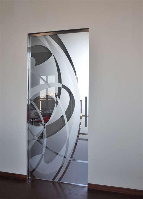 porte di vetro scorrevoli le porte vetro scorrevoli su scrigno essential porte vetro