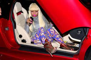 nicki minaj new car holy cow nicki minaj steps out of a bright lambo