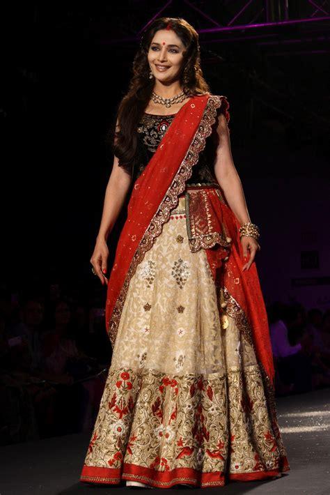 design dress collection designer lehenga choli manish malhotra
