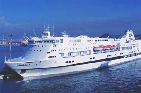 porto genova grandi navi veloci gnv majestic traghetti