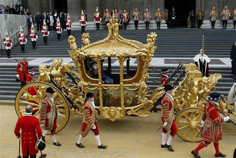 Kqueen Gold elizabeth s 50th jubilee 1 golden coach