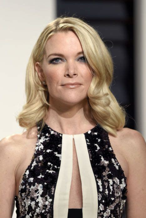 megyn kelly hairstyle change see megyn kelly s softer look as she prepares to take on
