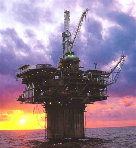Minyak Di 25 perusahaan minyak terbesar di dunia hima tg unsyiah