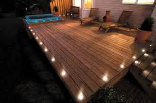 terrassenboden beleuchtung 17 tipps f 252 r holz boden belag im garten oder auf der terrasse