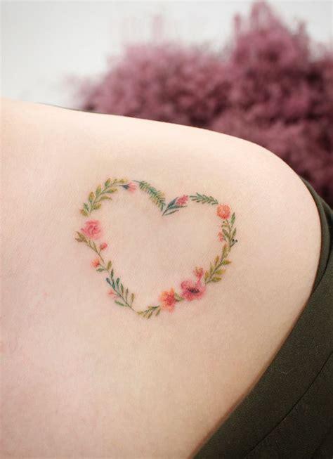 25 small feminine tattoos for best 25 small feminine tattoos ideas on