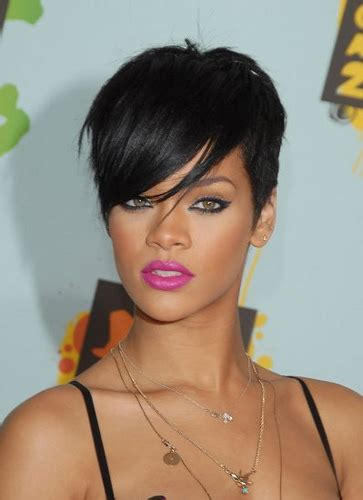 female singer with short hair rihanna short hair cuts for black women best haircut style
