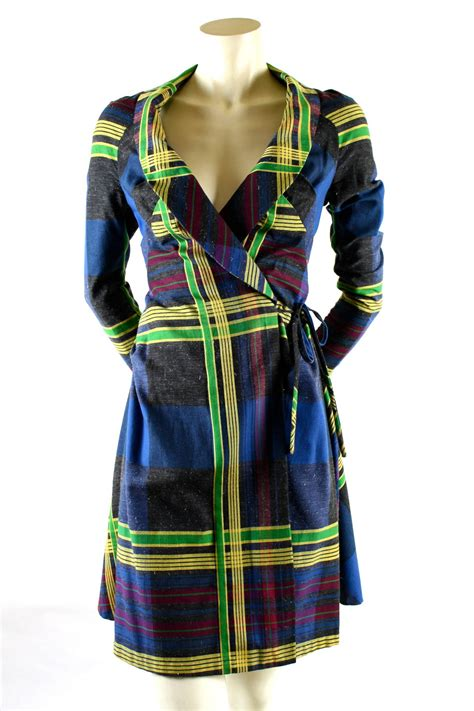 Be Tartan And Plaid Pretty In This Vivienne Westwood Dress by Vivienne Westwood A W 1993 4 Metropolitan Tartan Runway
