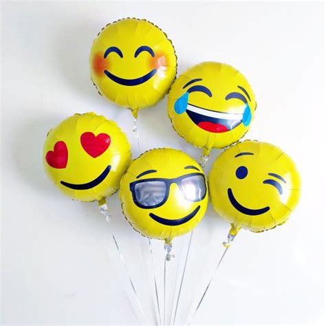 Diskon Balon Foil Emoji Emoticon New les 25 meilleures id 233 es de la cat 233 gorie smiley clin d oeil sur