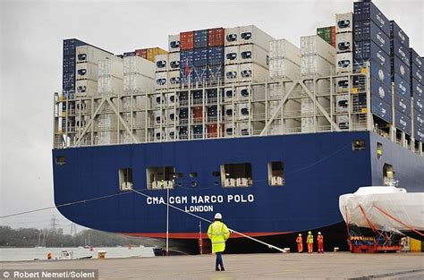 biggest roro vessel in the world world s largest container ship at 396m long arrives in