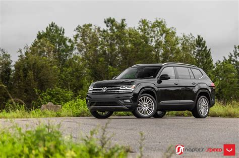 volkswagen atlas black wheels even 21 in wheels look normal on vw s big atlas suv