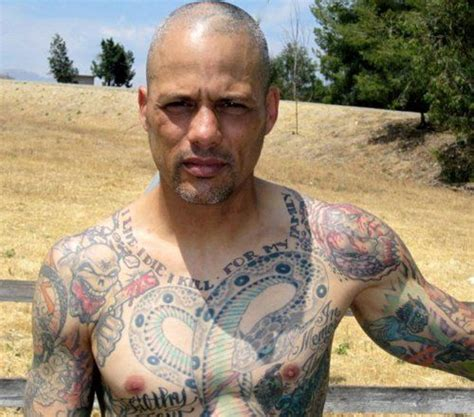 david labrava tattoos me some happy and him being tatted makes me like him