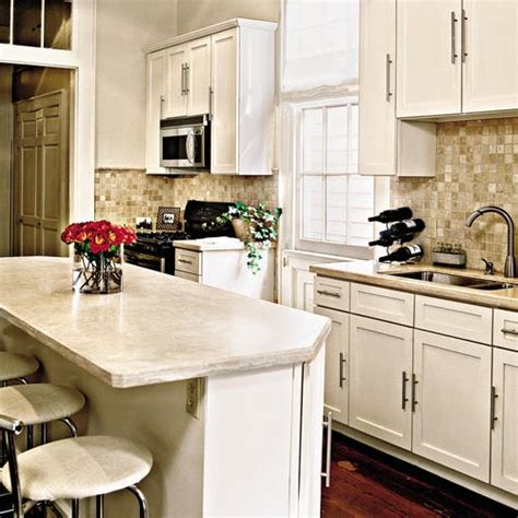 Bone Color Kitchen Cabinets Benjamin Navajo White And Bone White For The Home The Smalls Home And Colors