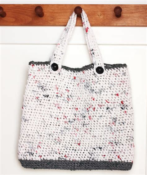 Crochet Pattern For Plarn Bag | plarn tote bag repeat crafter me