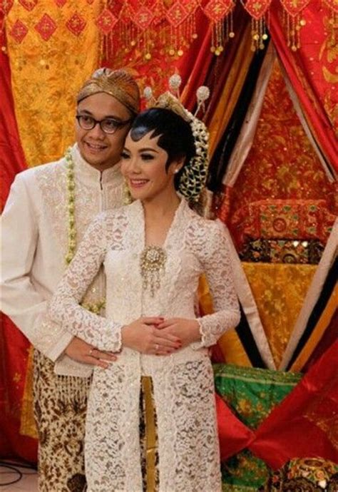 New Sanggul Wedding 17 best images about traditional javanesse wedding on photos hair dos and javanese