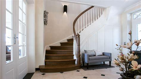 landhaus treppe hochwertige treppe mit l 228 ndlichem charme meyer grave