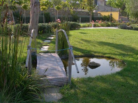 cascate e laghetti da giardino benza laghetti da giardino cascate e ruscelli artificiali