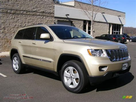 gold jeep cherokee 2011 jeep grand cherokee laredo x package 4x4 in white