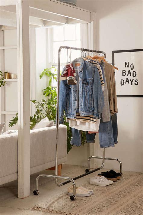 Tas Gantung Menggantung menggantung baju juga bisa instagramable properti liputan6
