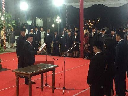 Kursi Eselon Iv inilah 11 pejabat eselon ii yang dilantik gubernur sugianto