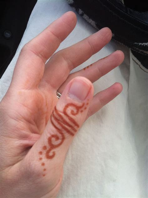 simple henna finger ring love it design by henna trails