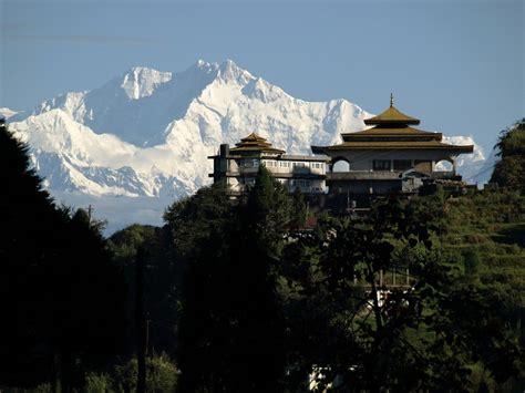 top places  visit  darjeeling travel wide world