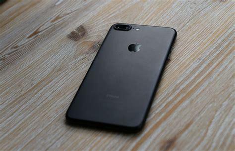 matzwarte iphone 7 plus en iphone 7 verf laat los bij veel gebruikers