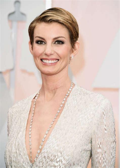 Faith Hill Short Hair Cut For Oscars | faith hill 2015 academy awards in hollywood