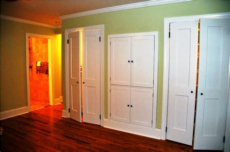 Closet Door Ideas For Small Space by Closet Doors For Small Spaces Home Design