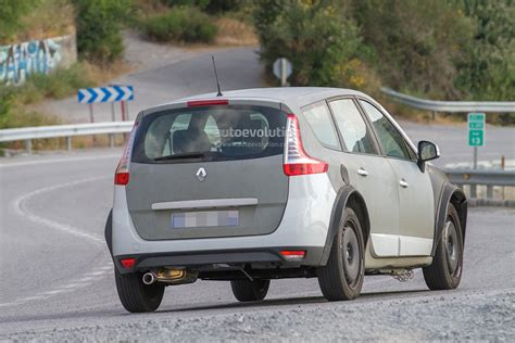 renault scenic 2017 automatic spyshots 2017 renault scenic test mule previews much