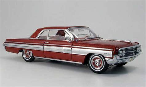 Oldsmobile Starfire rojo 1962 Yat Ming coches miniaturas 1/18 Comprar/Venta coches miniaturas