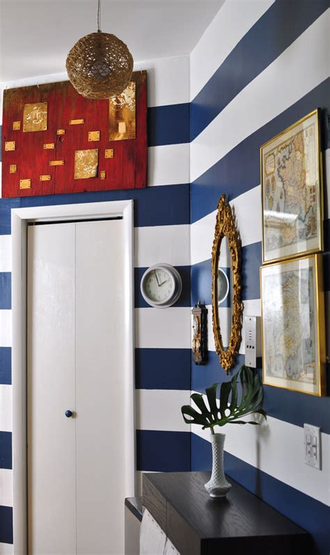 white and navy blue striped wall eclectic bedroom nautical decorating ideas coastal living beachy art prints