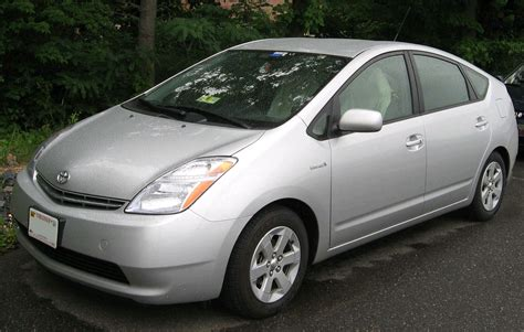 What Is Toyota Prius File 2nd Toyota Prius Jpg Wikimedia Commons