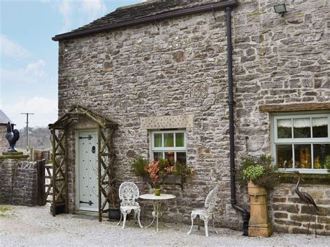 Tideswell Cottage by Sweet Knoll Cottage In Tideswell Selfcatering Travel