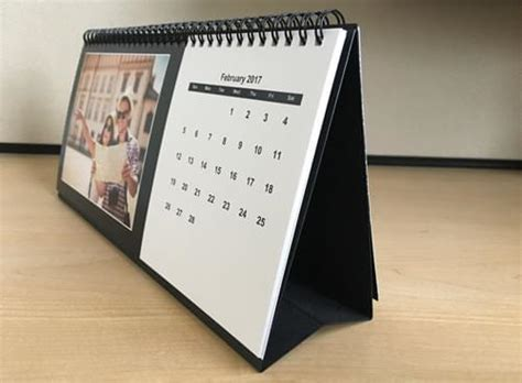 make a desk calendar create desk photo calendars createphotocalendars