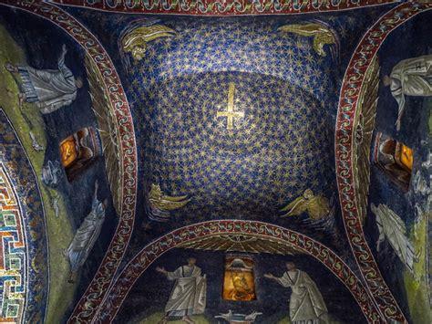 mausoleo di galla placidia interno ravenna nel mausoleo di galla placidia amarisla
